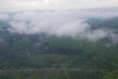 2Windraeder-in-den-tiefen-Wolken